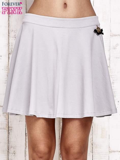 Szara dresowa spódnica szyta z koła
