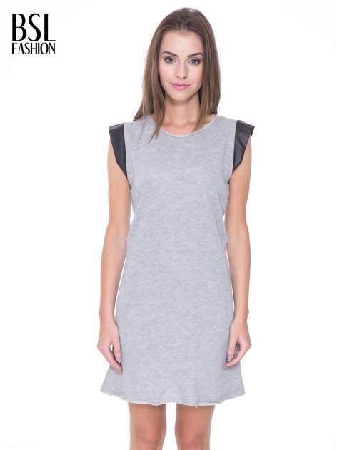 Szara dresowa sukienka ze wstawkami ze skóry przy rękawach                                  zdj.                                  1