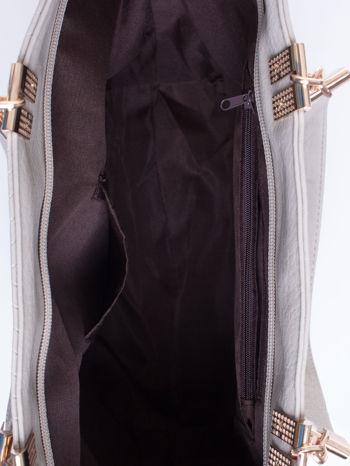 Szara fakturowana torebka damska ze złotymi okuciami                                  zdj.                                  5