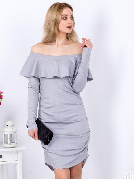 Szara marszczona sukienka z dekoltem carmen                              zdj.                              1