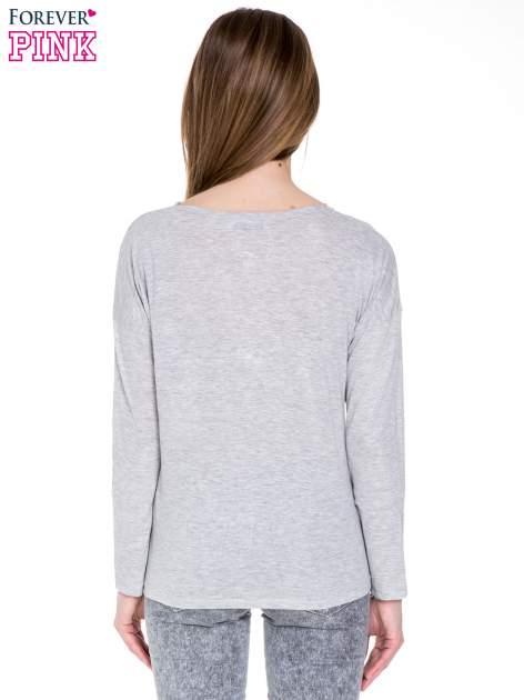 Szara melanżowa bawełniana bluzka z dekoltem typu woda                                  zdj.                                  4