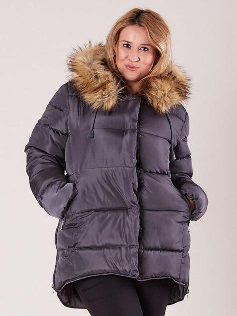 Szara pikowana kurtka damska z futerkiem PLUS SIZE                              zdj.                              1