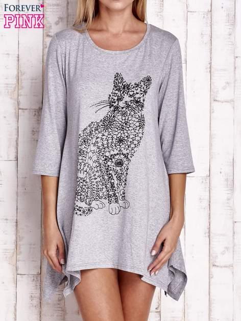 Szara sukienka z nadrukiem kota i błyszczącą aplikacją                                  zdj.                                  1