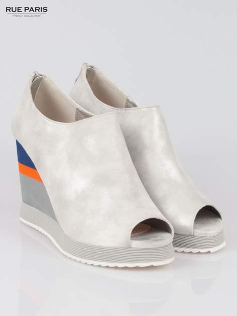 Szare buty open toe na koturnie w paski                                  zdj.                                  2