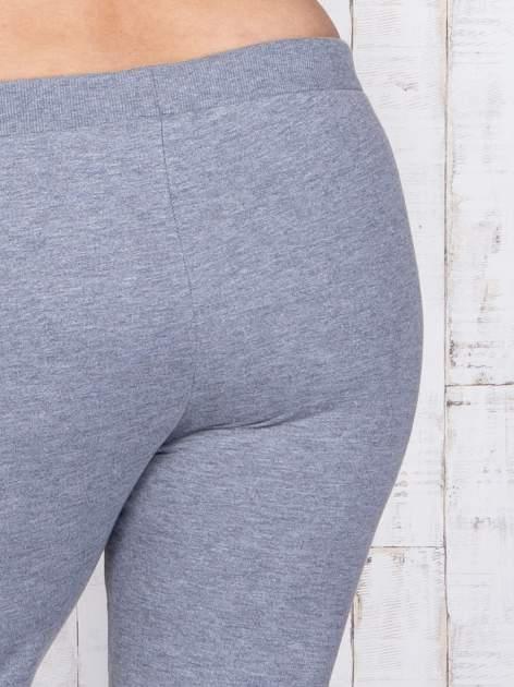 Szare melanżowe spodnie dresowe PLUS SIZE                                  zdj.                                  5