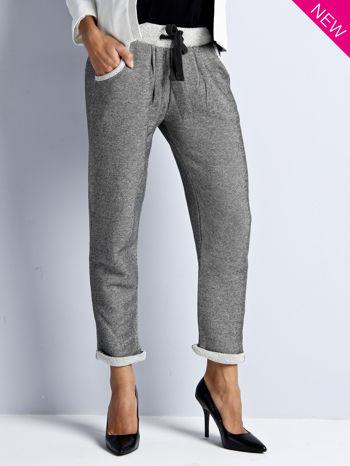 Szare melanżowe spodnie dresowe w stylu casual                                  zdj.                                  1