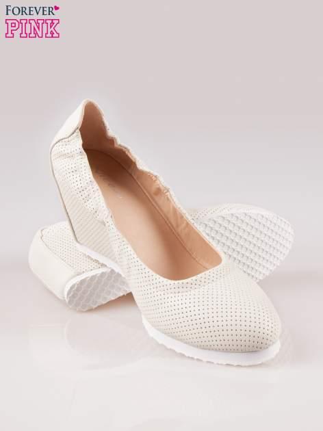 Szare siateczkowe buty na koturnie                                  zdj.                                  4