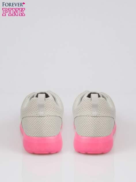 Szare siateczkowe buty sportowe na różowej podeszwie                                  zdj.                                  3