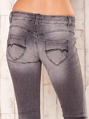 Szare spodnie regular jeans                                  zdj.                                  5