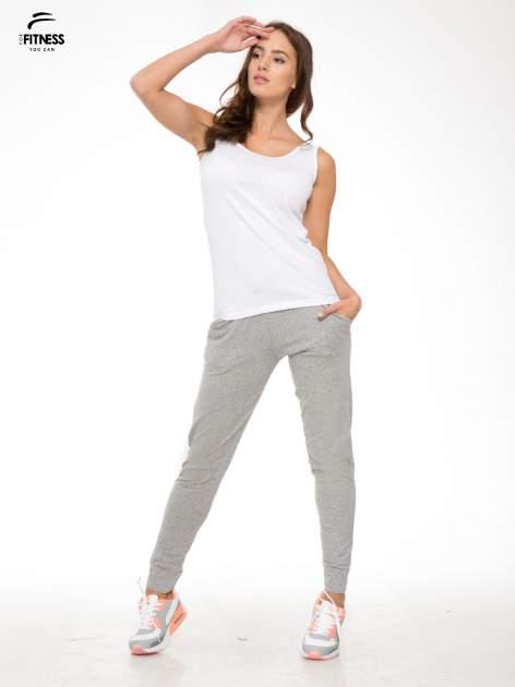 Szare wąskie spodnie dresowe wiązane w pasie na wstążkę                                  zdj.                                  2