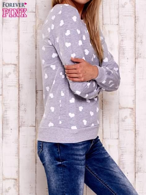 Szaro-biała bluza z nadrukiem serduszek                                  zdj.                                  2