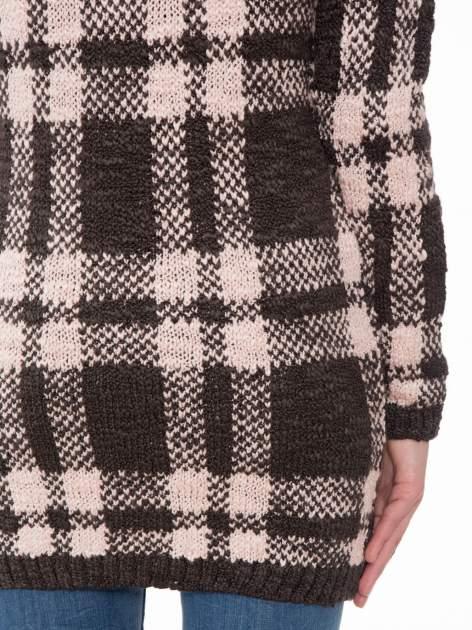 Szaro-różowy długi sweter w kratę                                  zdj.                                  8