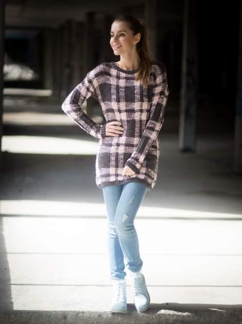 Szaro-różowy długi sweter w kratę                                  zdj.                                  9