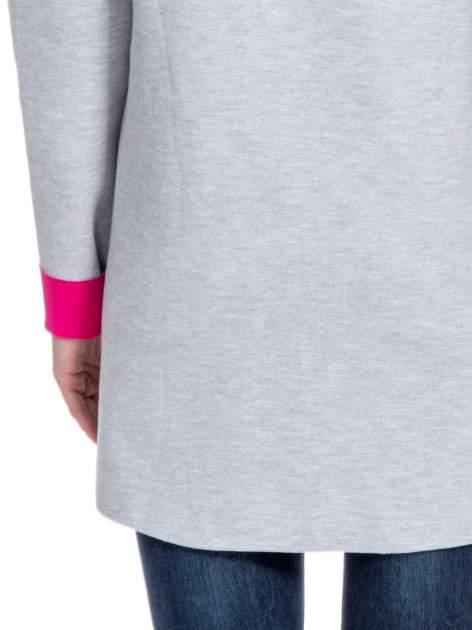 Szary dresowy płaszcz oversize z fuksjową podszewką                                  zdj.                                  8
