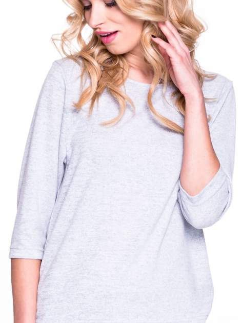 Szary klasyczny sweterek z luźnym rękawkiem 3/4                                  zdj.                                  5