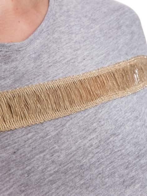 Szary melanżowy t-shirt ze złotą aplikacją                                  zdj.                                  5