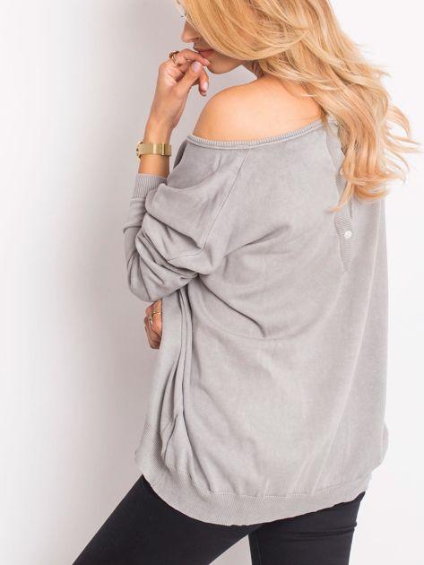 Szary sweter z guzikami z tyłu                              zdj.                              5