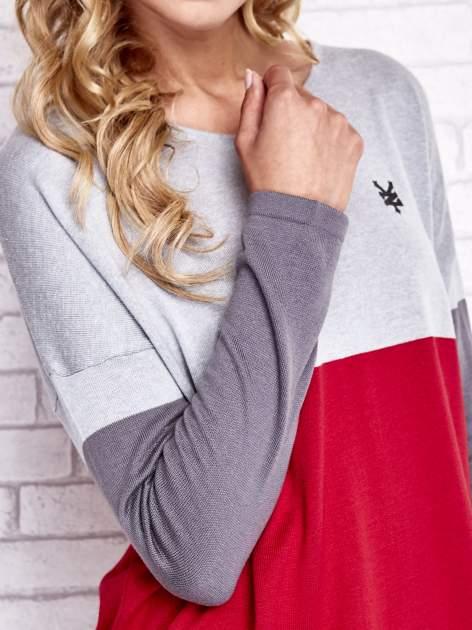 Szary sweter z trójkątnym dekoltem                                  zdj.                                  6
