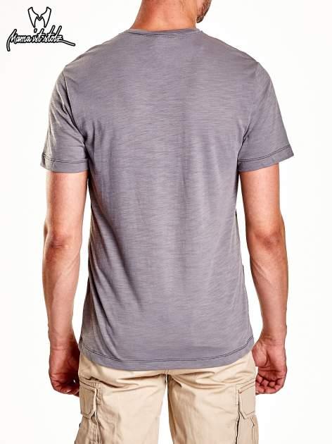 Szary t-shirt męski z miejskim nadrukiem                                  zdj.                                  6