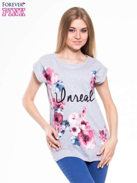 Szary t-shirt z nadrukiem kwiatów i napisem DREAM