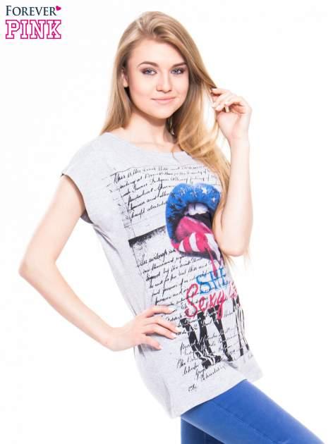 Szary t-shirt z nadrukiem ust                                  zdj.                                  2