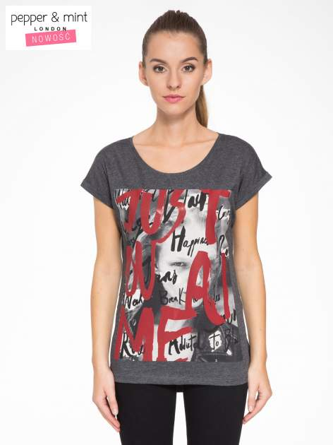 Szary t-shirt z napisem JUST YOU AND ME