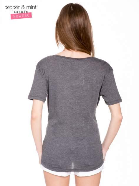 Szary t-shirt z romantycznym nadrukiem dziewczyny                                  zdj.                                  4