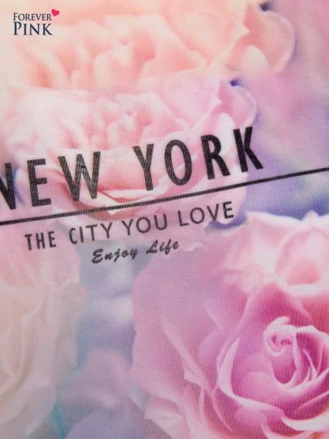 T-shirt NEW YORK z pastelowym floral printem                                  zdj.                                  4