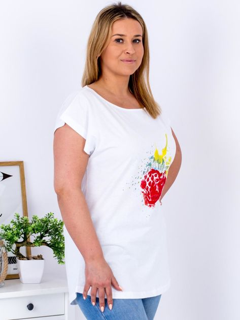 T-shirt biały z truskawką PLUS SIZE                              zdj.                              3