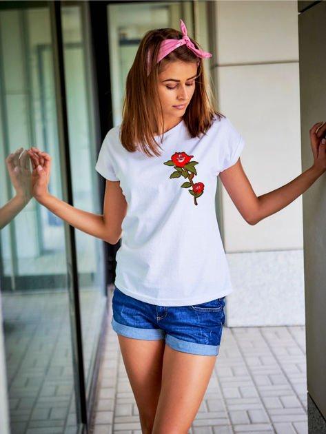 T-shirt damski biały z naszywką DUŻY KWIAT                              zdj.                              1
