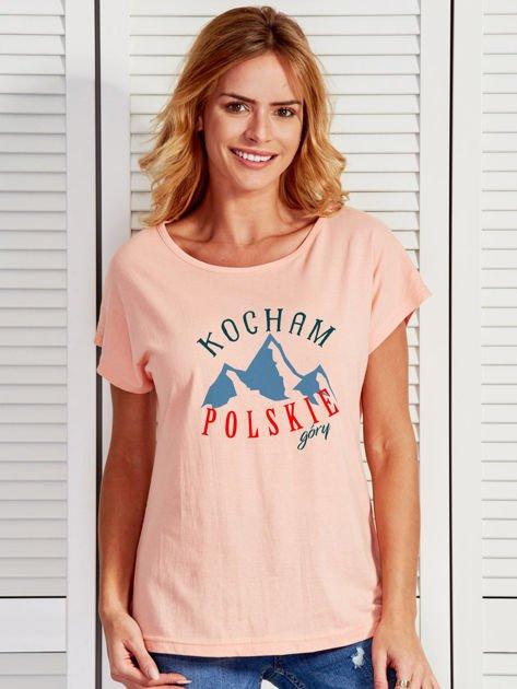 T-shirt damski patriotyczny KOCHAM POLSKIE GÓRY łososiowy                                  zdj.                                  1