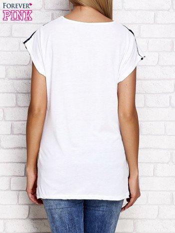 T-shirt damski w paski biało-granatowy