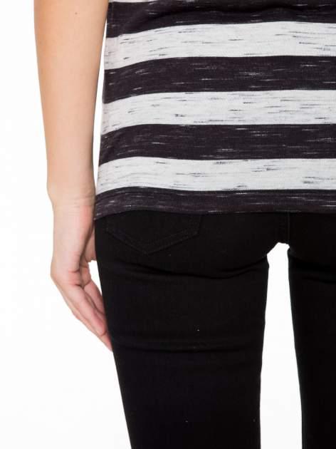 T-shirt w biało-czarne paski z koronkowymi wstawkami                                  zdj.                                  9