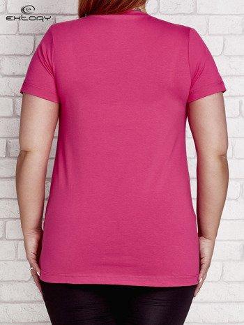 T-shirt z kieszonką jasnoróżowy PLUS SIZE