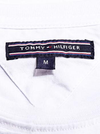 TOMMY HILFIGER Biały t-shirt męski z nadrukiem                                  zdj.                                  4