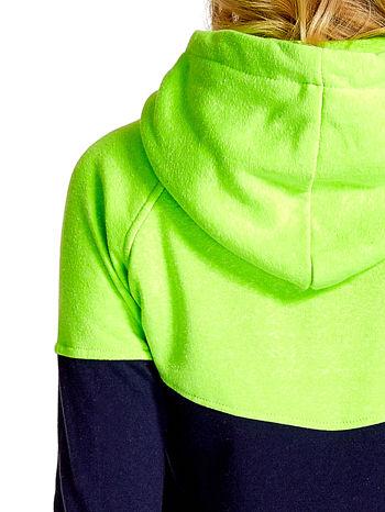 Zielona bluza z granatowym pasem                                  zdj.                                  8
