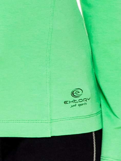 Zielona bluzka sportowa z dekoltem U                                  zdj.                                  5