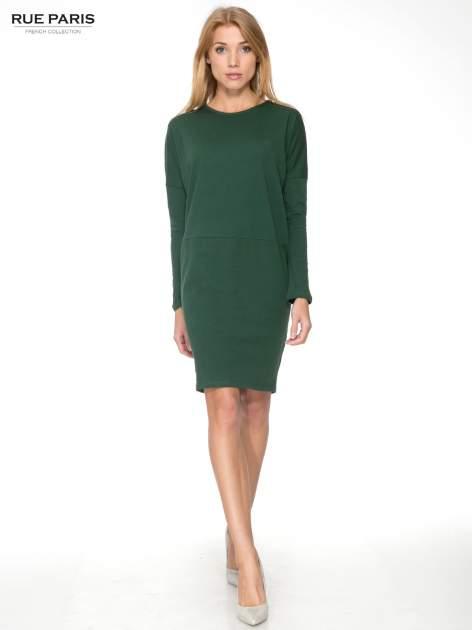 Zielona dresowa sukienka z nietoperzowymi rękawami                                  zdj.                                  2