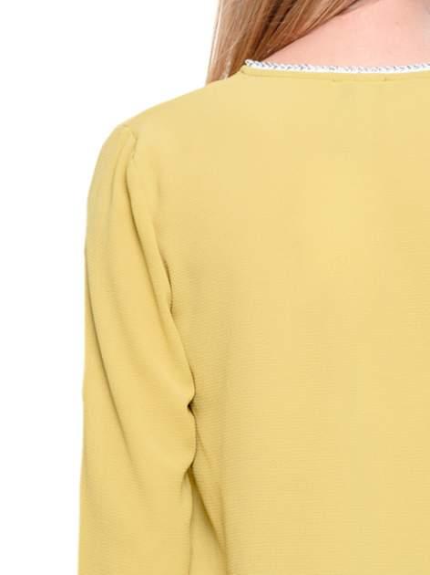 Zielona koszula z ażurową lamówką                                  zdj.                                  7