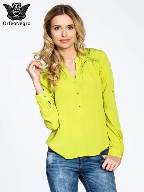 Zielona koszula z ażurowaniem na górze                                  zdj.                                  1