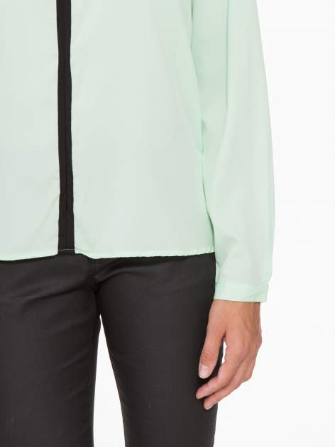 Zielona koszula z kontrastową listwą                                  zdj.                                  7