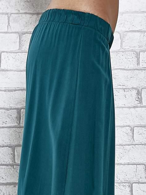 Zielona spódnica maxi z rozporkami z przodu                              zdj.                              6