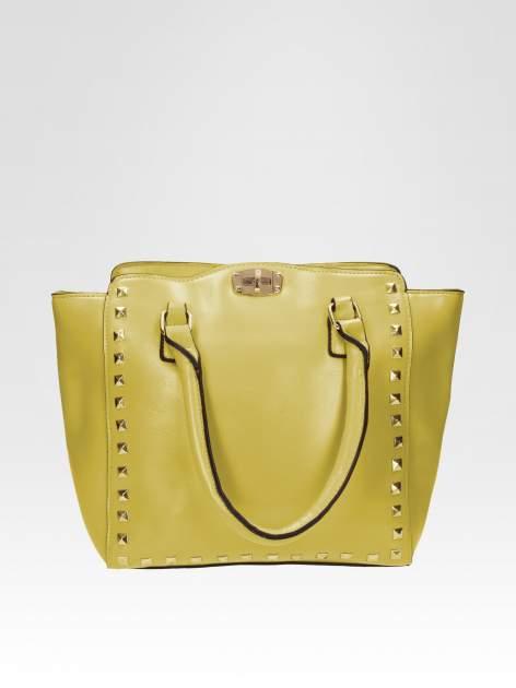 Zielona torebka na ramię z dżetami