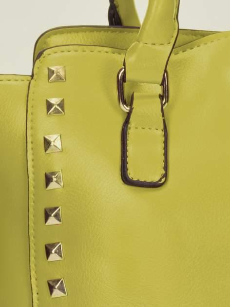 Zielona torebka na ramię z dżetami                                  zdj.                                  10
