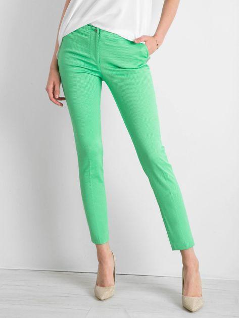Zielone spodnie damskie o prostym kroju