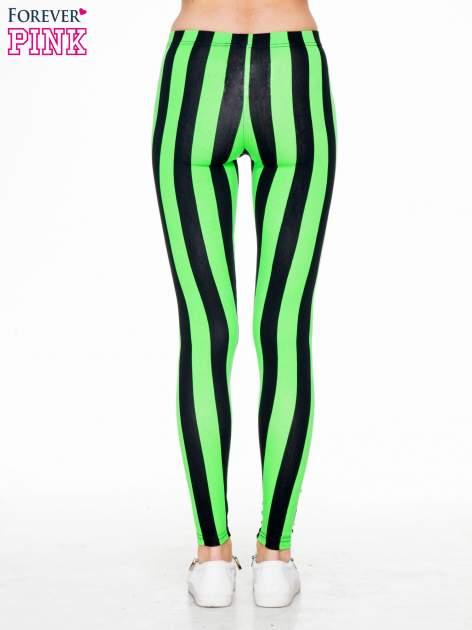 Zielono-czarne wyszczuplające legginsy w pionowe paski                                  zdj.                                  4
