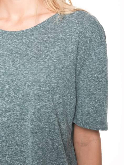 Zielony melanżowy t-shirt o luźnym kroju                                  zdj.                                  8