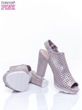 Złote ażurowe sandały na słupku                                  zdj.                                  4