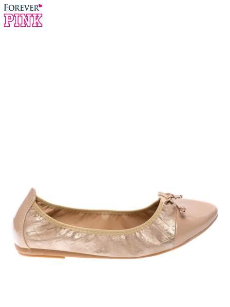 Złote pikowane baleriny na gumkę z lakierowanym noskiem                                  zdj.                                  1