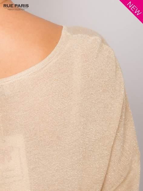 Złoty sweter z opuszczonymi rękawami przeplatany metalizowaną nicią                                  zdj.                                  7